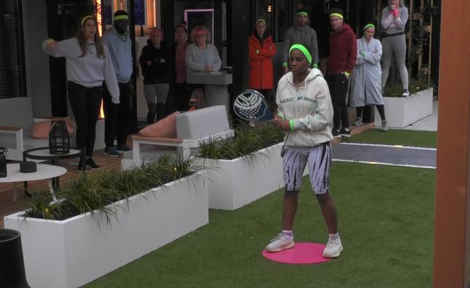 De Big Brother bewoners verdienen veel geld met een tennis spel