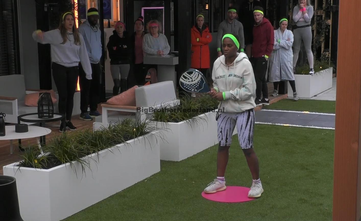 De Big Brother bewoners verdienen veel geld met een tennis ...