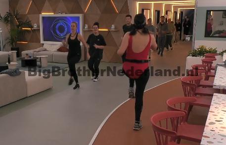 Naomi en Liese wisten al dat ze genomineerd waren, heeft Julie het aan hen verklapt?