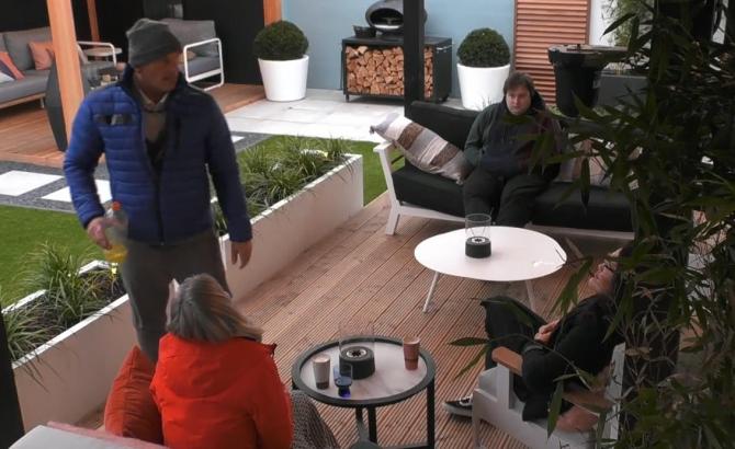Daniëlle, Theo, Nathalie en Thomas bespreken de naderende nominaties