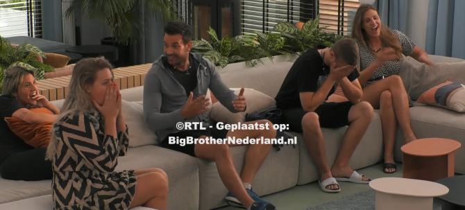 Big Brother laat de bewoners weten dat ze allemaal genomineerd zijn