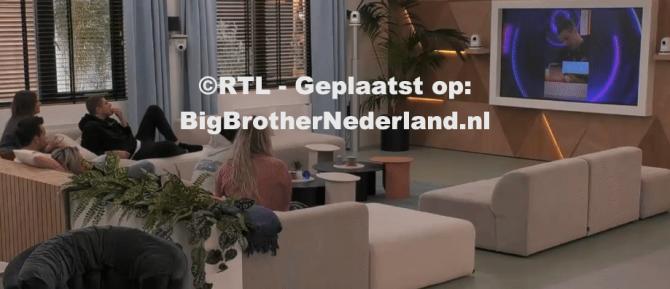 Big Brother laat de bewoners grappige filmpjes zien over gebeurtenissen in het huis