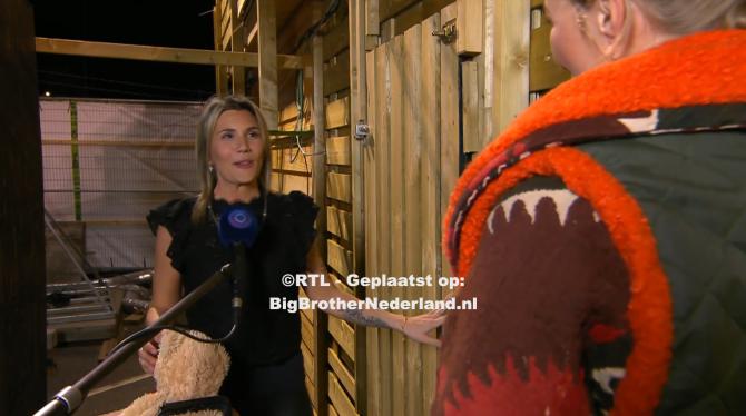 Julie moet Big Brother verlaten na de liveshow maar er gaat nog iemand weg…